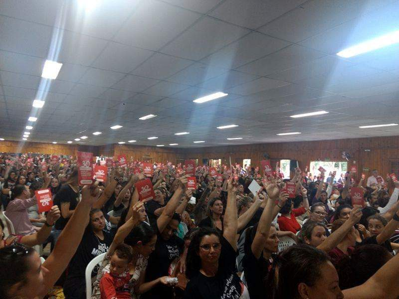 Ato em Gravatai reuniu centenas de pessoas |
